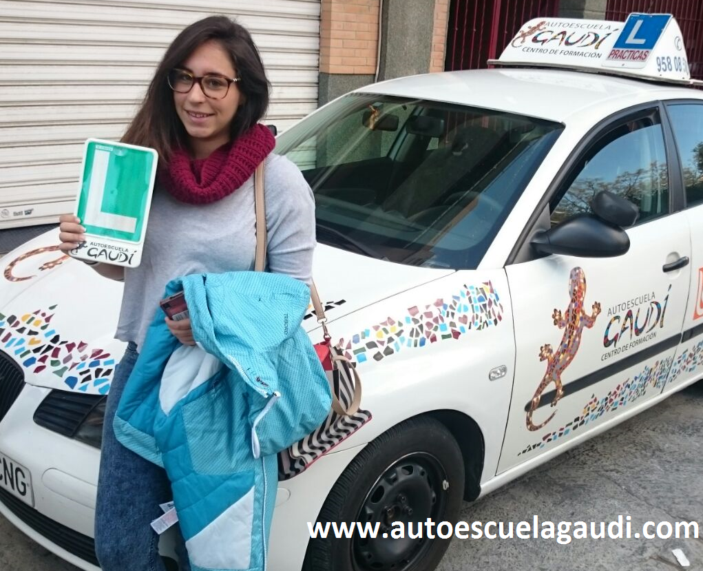 autoescuela-gaudi-granada-paula